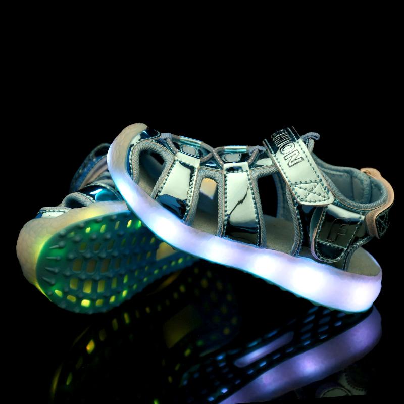 unisex boy and girl flash led sandal for kids children beach LED shoes